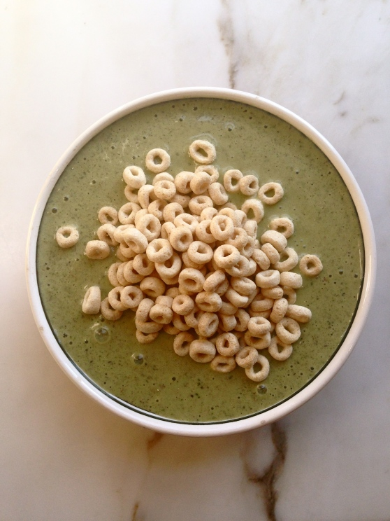 healthy green smoothie breakfast
